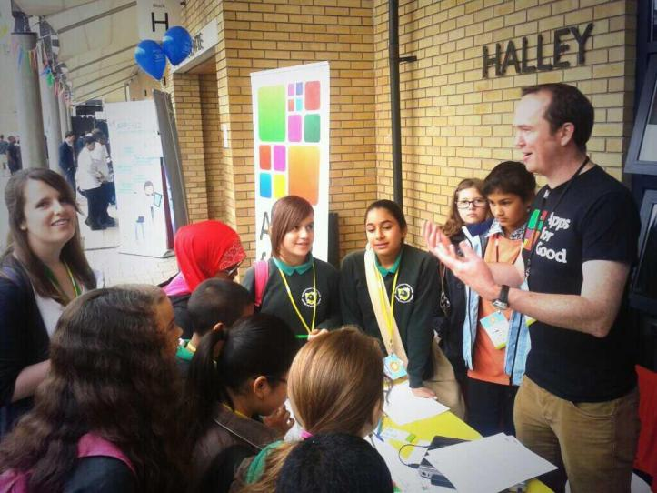 Paul Dawson running an idea generation session at Digital Summer Camp at Hackney Community College