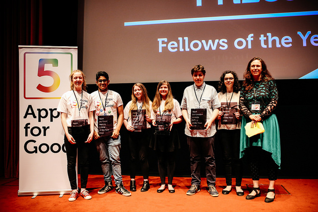 123-Reg CMO Kate Cox presents Katie, Jashvanth, Sophie, Ellora, Ben and Rebecca with The Fellowship Prize.